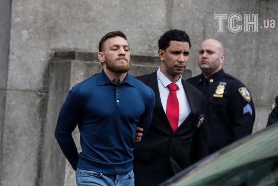 Макгрегор погодився співпрацювати з поліцією після нападу на автобус з бійцями UFC
