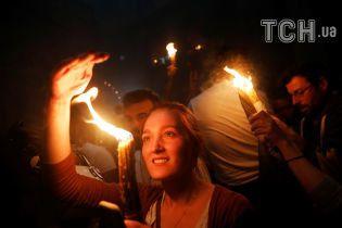 В Украину прибыл самолет с Благодатным огнем
