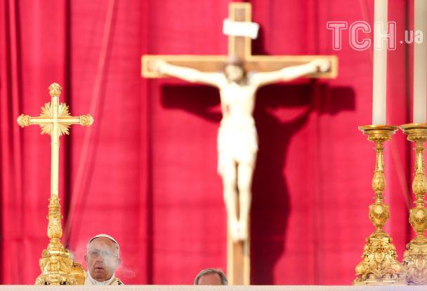 """""""Ничто не оправдает таких средств"""". Папа Римский вспомнил химическую атаку в Сирии во время службы"""