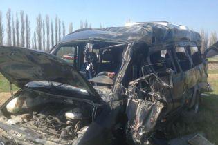 У смертельній ДТП з маршруткою та електричкою у Криму постраждали двоє громадян України