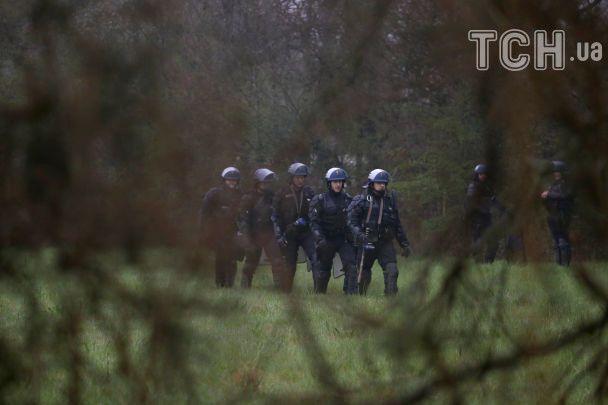 Поліція зі сльозогінним газом розганяла еко-активістів біля французького Нанта