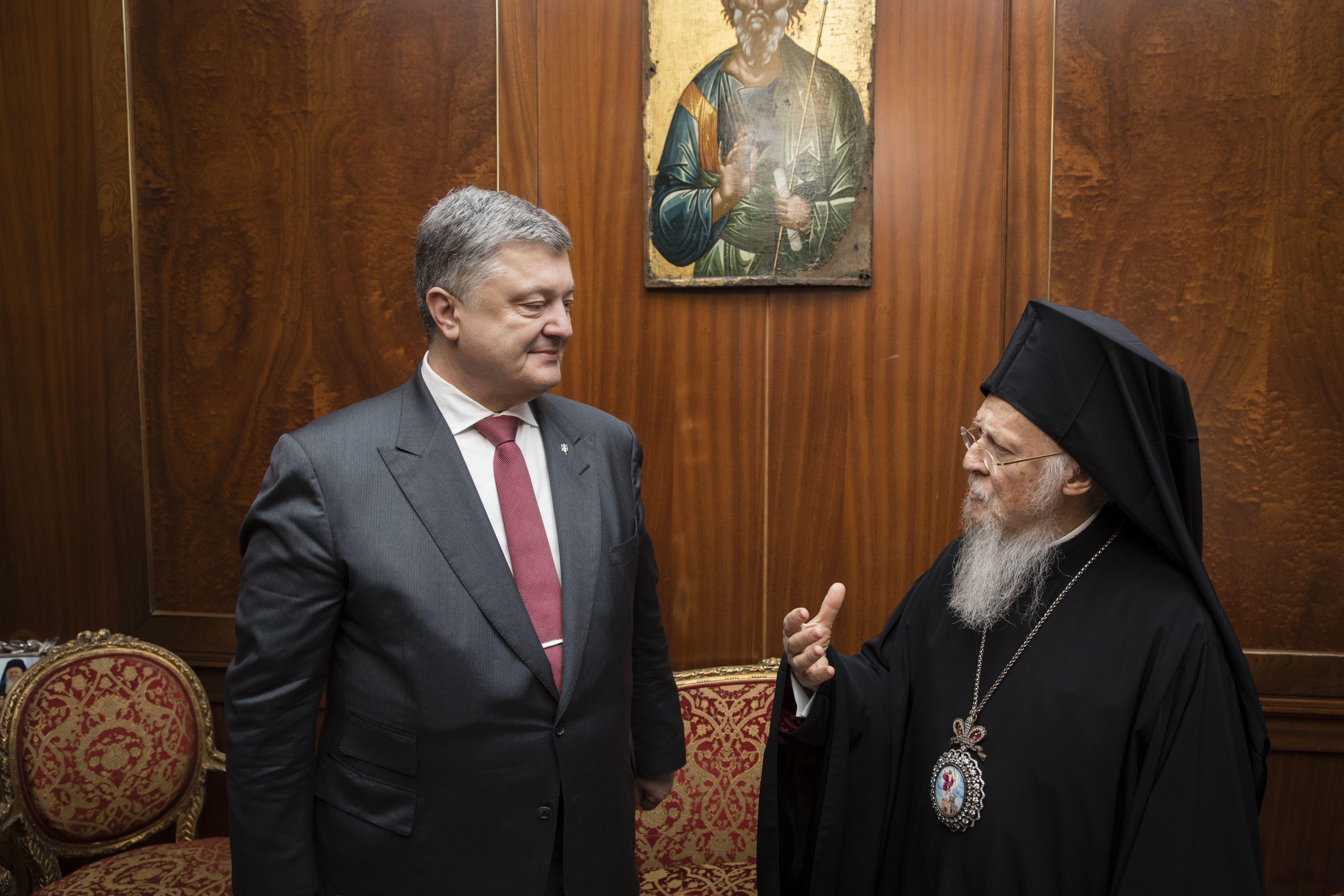 Порошенко подчеркнул значимость создания вУкраинском государстве Единой поместной церкви