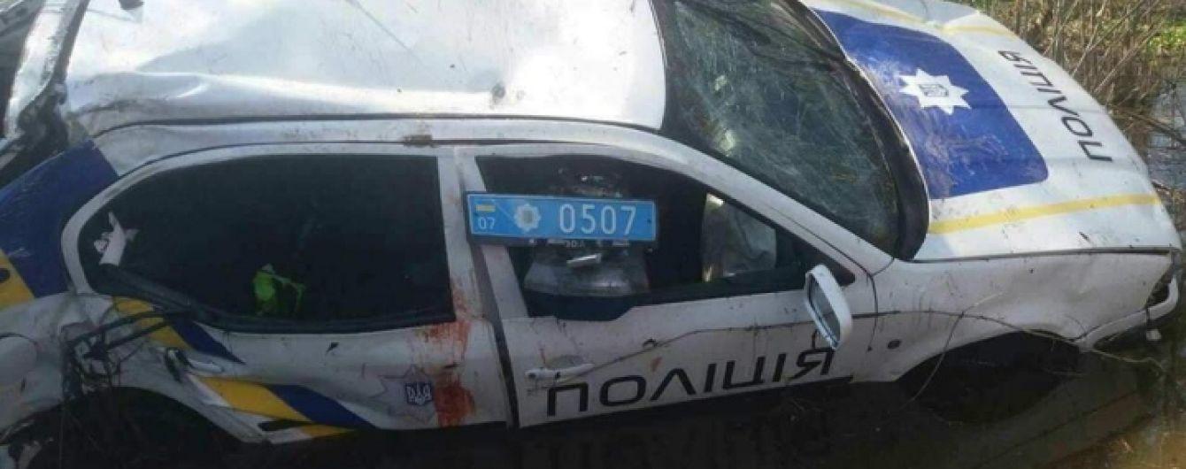На Закарпатье пьяные полицейские на служебном авто устроили аварию и пытались скрыться с места ДТП - СМИ