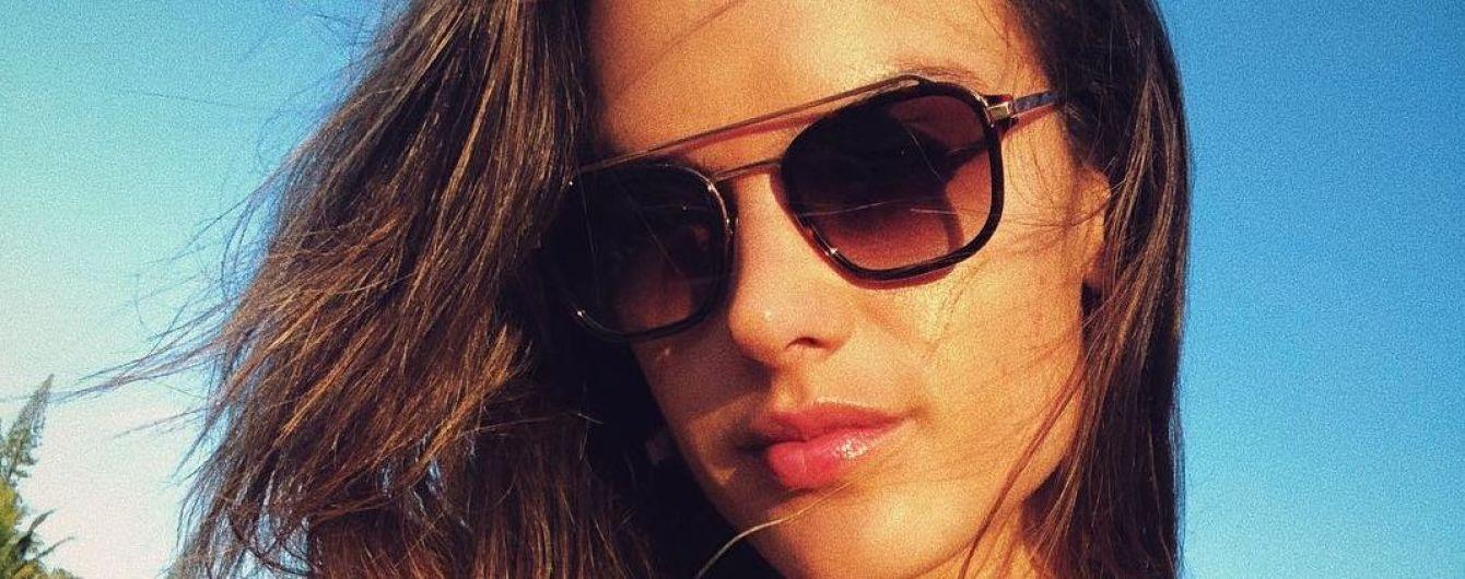 В бикини и не только: Алессандра Амбросио похвасталась красочными кадрами с отдыха