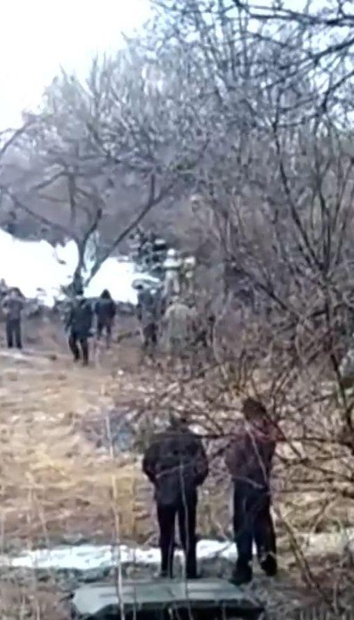 В российском Хабаровске посреди улицы упал вертолет