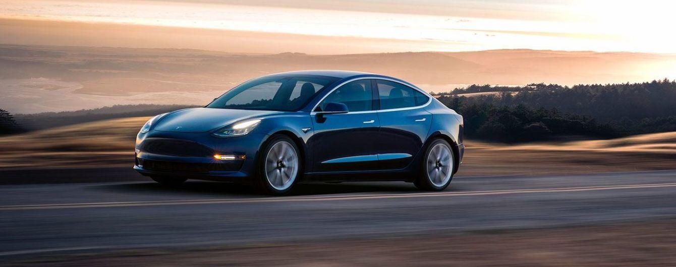 Tesla Model 3 выступила против Model S в уникальной гонке