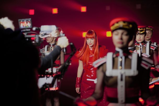 """""""Анимешка"""" Светлана Тарабарова в красном латексе выпустила клип-манифест"""