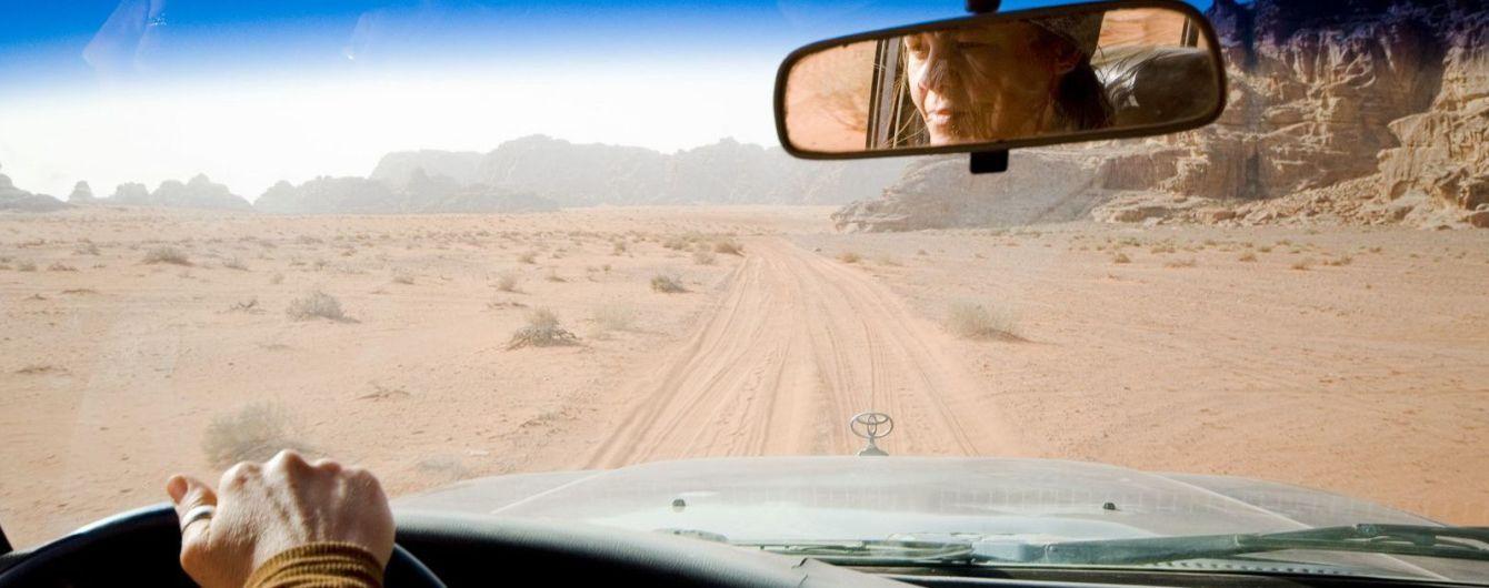 В Саудовской Аравии женщина покорила сердца юзеров песнями за рулем