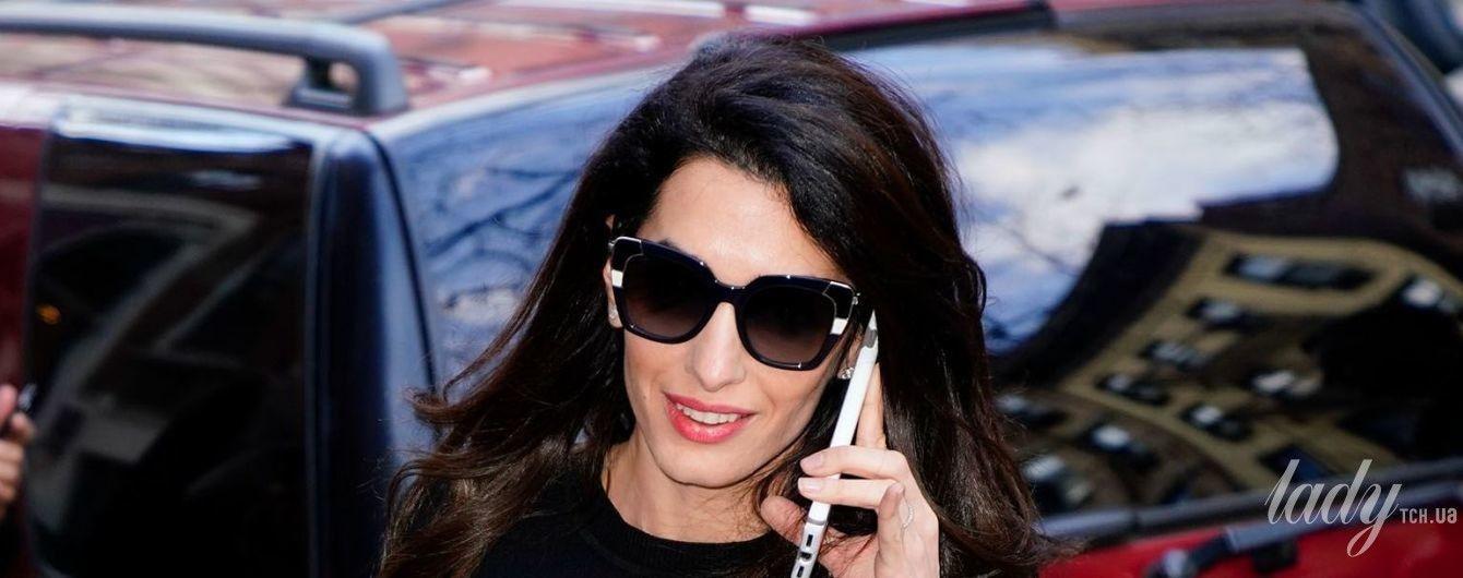 Амаль Клуни вышла в свет в юбке-карандаше Dolce and Gabbana за 970 долларов