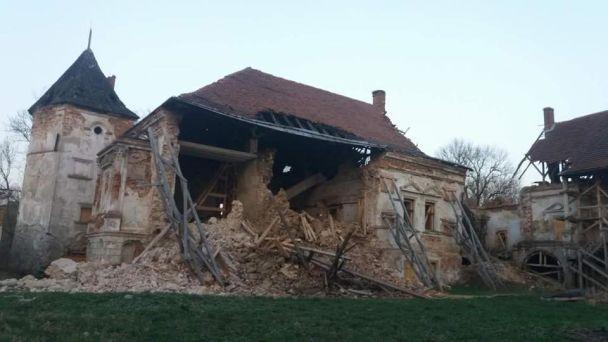 На Львовщине обрушилась стена старинного замка