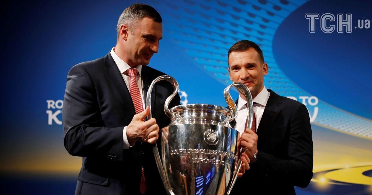 Виталий Кличко и Андрей Шевченко на жеребьевке полуфинала и финала Лиги чемпионов. Финал состоится в Киеве 26 мая.