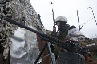 Двое раненых бойцов на Донбассе. Сутки в зоне АТО