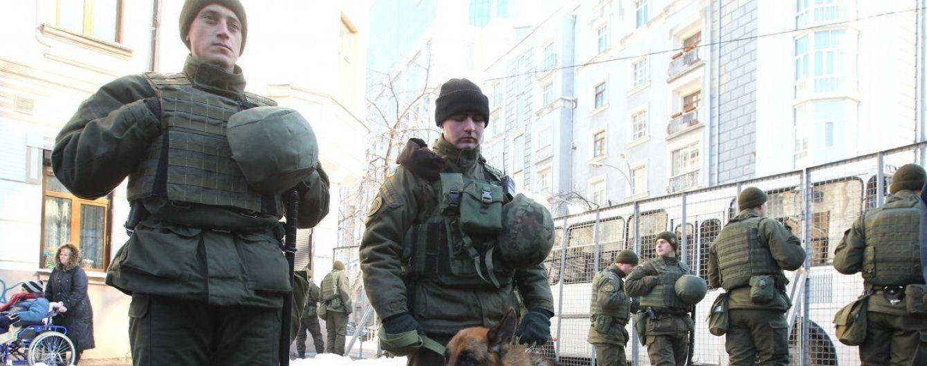 У Харкові виявили на будмайданчику заряджений снарядом танковий ствол