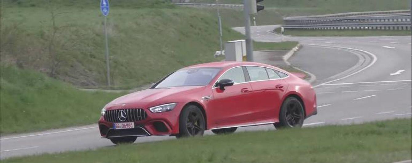 Mercedes-AMG разрабатывает мощный и доступный спорткар