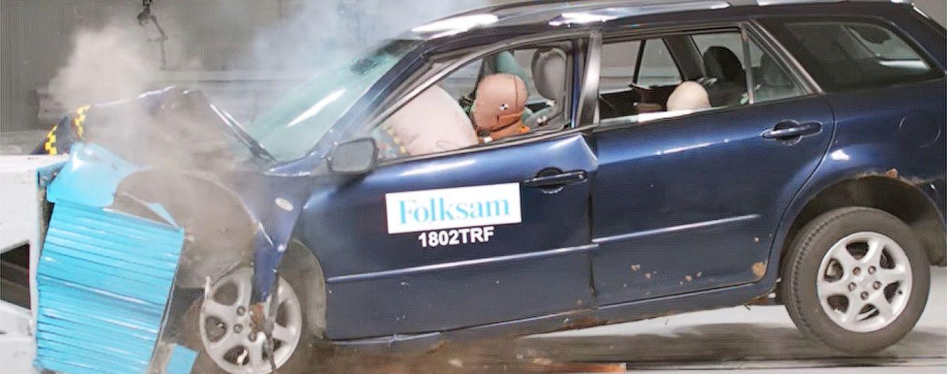 Шведы проверяют на прочность ржавые автомобили