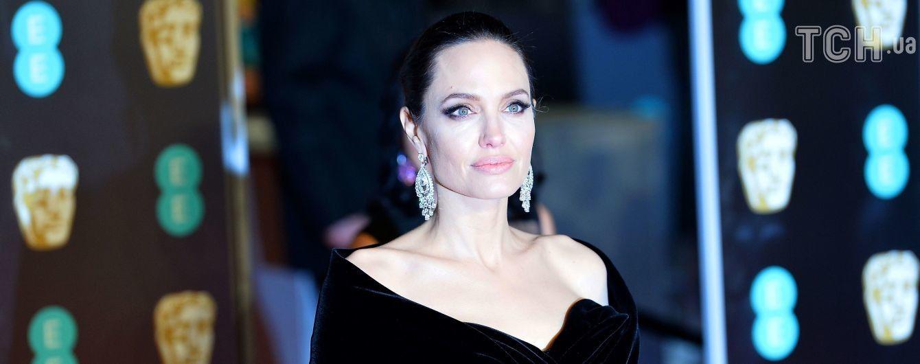 Стало відомо про госпіталізацію Анджеліни Джолі – ЗМІ
