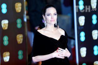 Стало известно о госпитализации Анджелины Джоли – СМИ