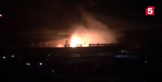У Підмосков'ї масштабна пожежа охопила завод
