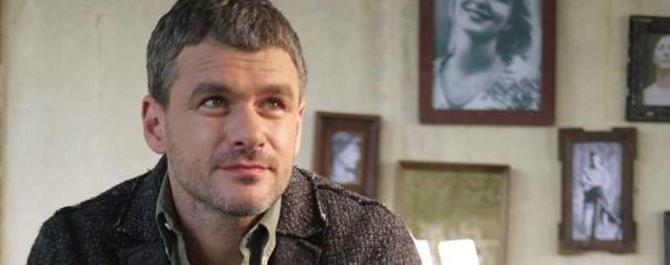 Арсен Мирзоян врезался в ситилайт в центре Киева