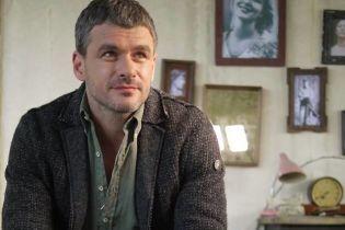 Арсен Мірзоян врізався у сітілайт в центрі Києва
