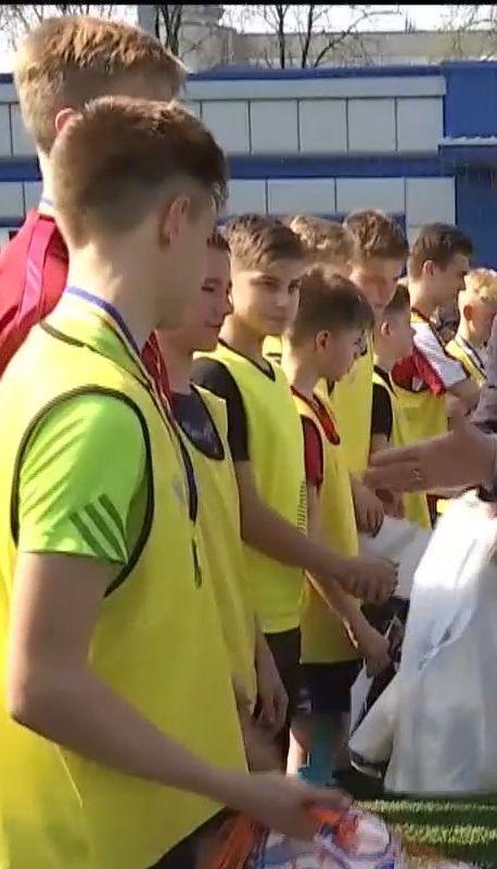 В Україні розпочався чемпіонат із дворового футболу з грандіозним призом для переможців