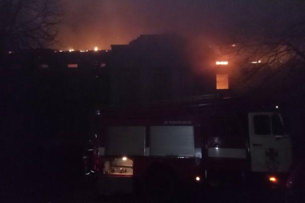 Под Харьковом огонь уничтожил деревянный памятник архитектуры - усадьбу Шидловских