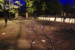 Армянские протестующие надеются, что из-за большого количества людей их не будут разгонять