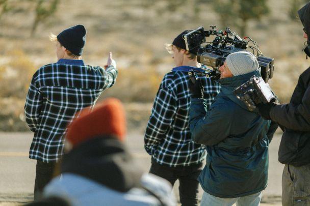 """""""Океан Эльзы"""" показал, как снимал свой клип с близнецами в Америке"""
