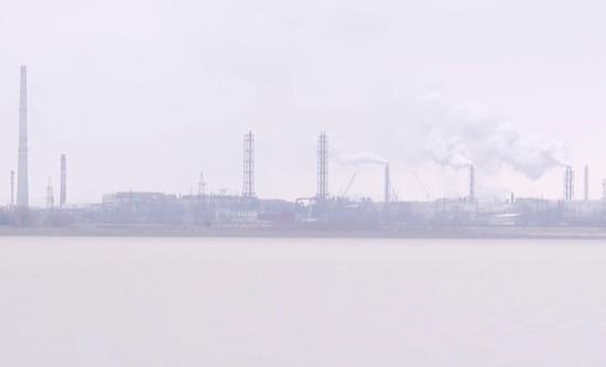 Зростання смертності та онкологія. Кримський завод Фірташа звозить хімвідходи до Херсонщини - ЗМІ