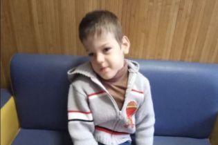 Операция за границей и усиленная реабилитация могут подарить Саше шанс на жизнь