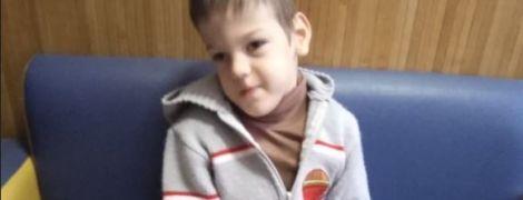 Операція за кордоном і посилена реабілітація можуть подарувати Сашку шанс на життя