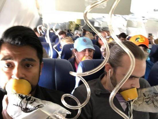 У США перевірять двигуни Boeing-737 після екстреної посадки літака