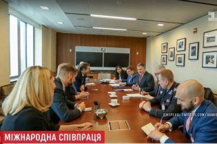 """Україна і США спільно боротимуться з наркотрафіком і російськими """"злодіями в законі"""""""