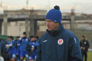 Украинский тренер спровоцировал невероятную драку в матче Кубка Азербайджана