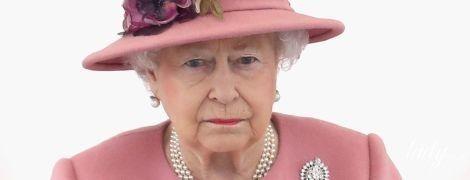Королева в печали: Елизавета II потеряла последнюю собаку породы корги