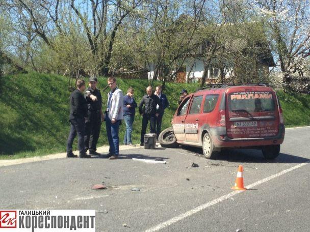 НаПрикарпатті злетів здороги пасажирський автобус, є загиблий і поранені