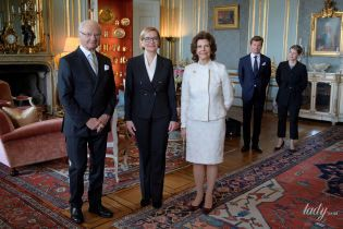 Стильно и сдержанно: королева Сильвия в нежном образе пришла на деловую встречу