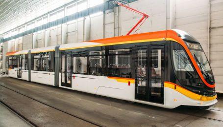 В Днепре проходит испытания новый украинский трамвай