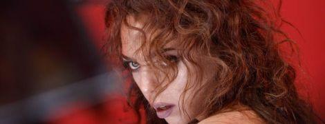 Sonya Kay обвинили в пропаганде сексуального насилия и заблокировали ее клип