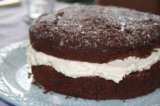 На Запорожье пятиклассники отравились тортом