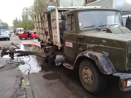 У Запоріжжі підйомник сміттєвоза розчавив пішохода