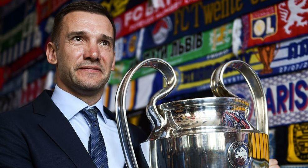 Шевченко прошелся с кубком Лиги чемпионов в центре Киева