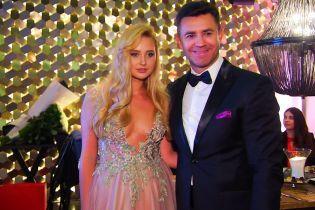 Николай Тищенко устроил бал в честь дня рождения жены