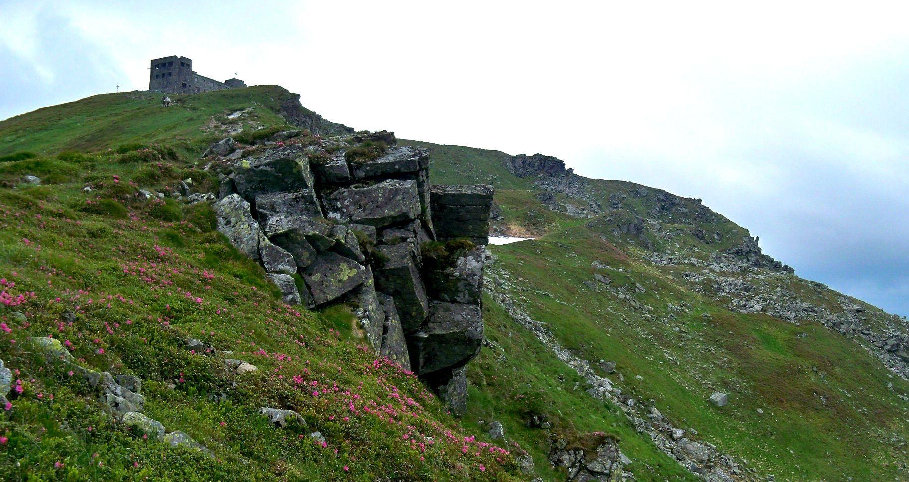 Гора Піп Іван Чорногірський, Карпати, гори