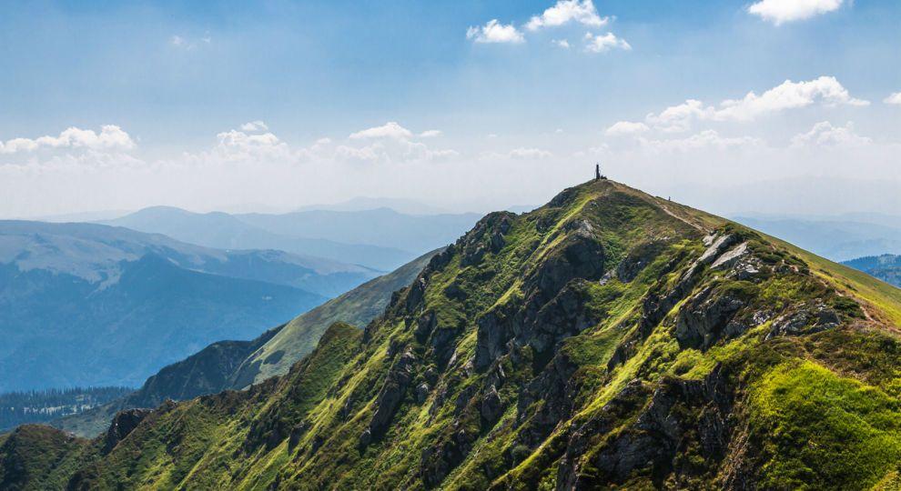 10 найвищих карпатських гір із неймовірними панорамами, які варто побачити