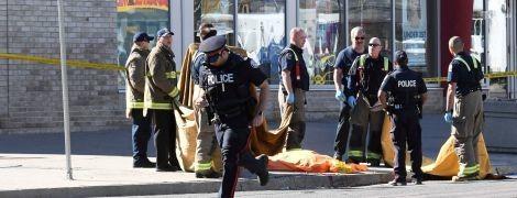 Смертельний наїзд фургона на людей у Канаді. Українців серед жертв немає, водієві – 25 років