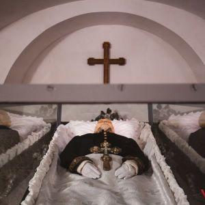В Виннице после ребальзамации снова выставили для показа тело Пирогова