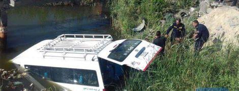 В Египте автобус с туристами упал в канаву. Есть погибшие