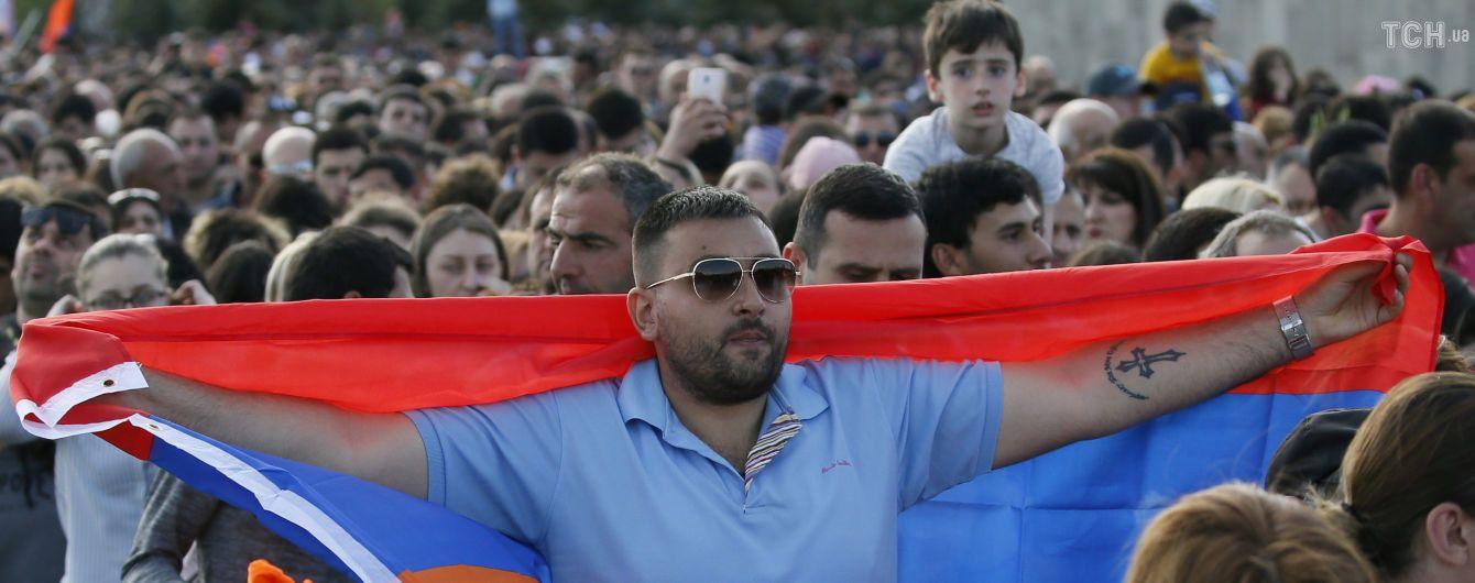 Армяне собираются на новые протесты