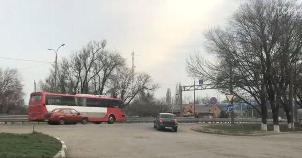Российских мирных жителей доставили изСирии навоенную базу вРФ